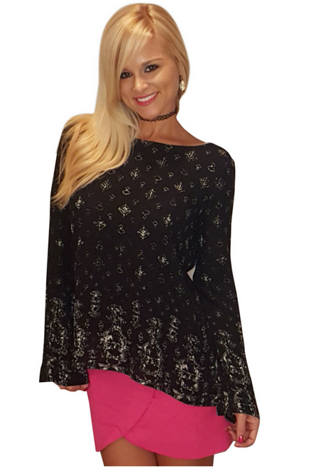 100% Rayon Wet Seal Top. Black & White Boho Tunic Buttons Down the Back.