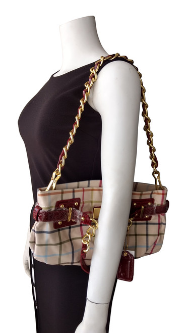 High Quality, Plaid Purse with Heavy Chain Strap! Plaid with Red.