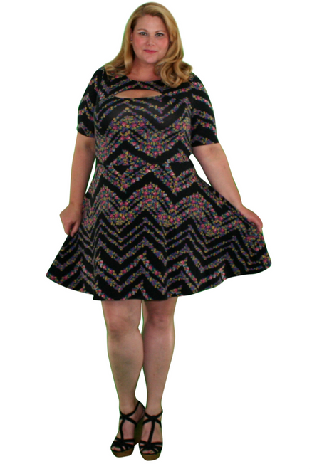 PLUS SIZE Black Floral Dress from Major Brand! Keyhole Cutout Chest.