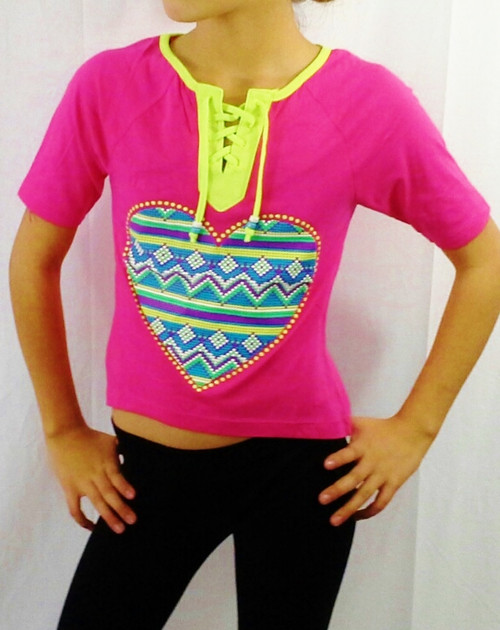 KIDS. DEREK HEART GIRLS! 60% Cotton. Hot Pink Top with Aztec Heart!