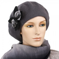 CHARCOAL WOOL BERET WITH THE BOW ACCENT
