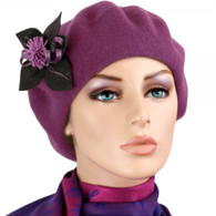 PLUM WOOL BERET WITH THE FLOWER