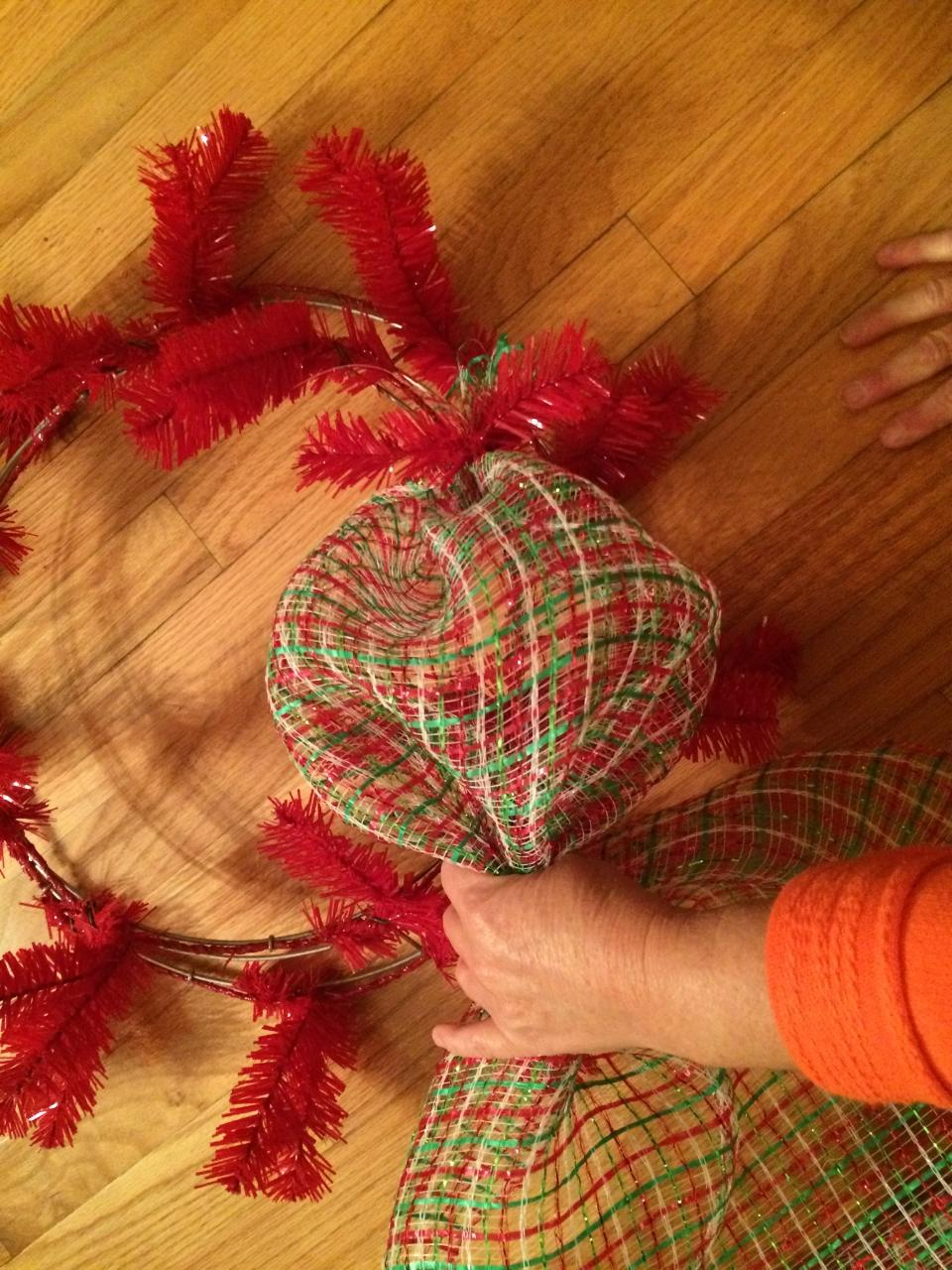 Diy Quot Elf Quot Mesh Wreath The Wreath Depot