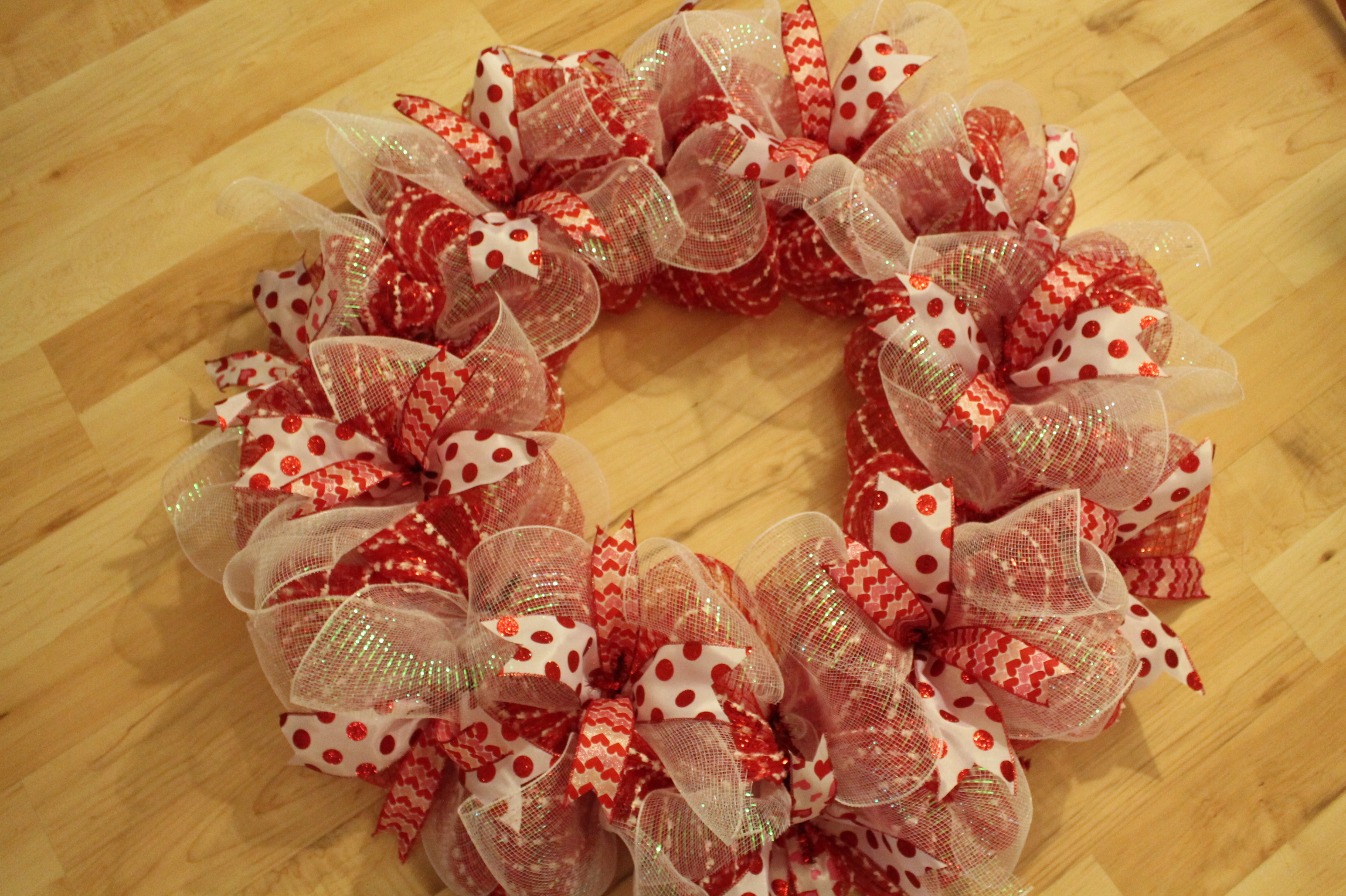Diy Mesh Polka Dot Valentine S Day Wreath Quot Big Heart