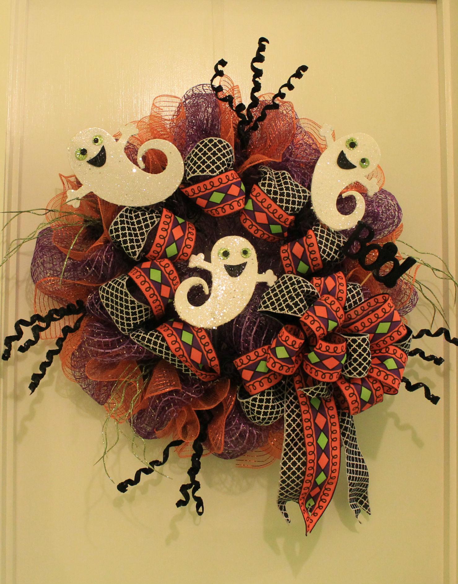 Diy Dancing Ghost Deco Mesh Wreath The Wreath Depot