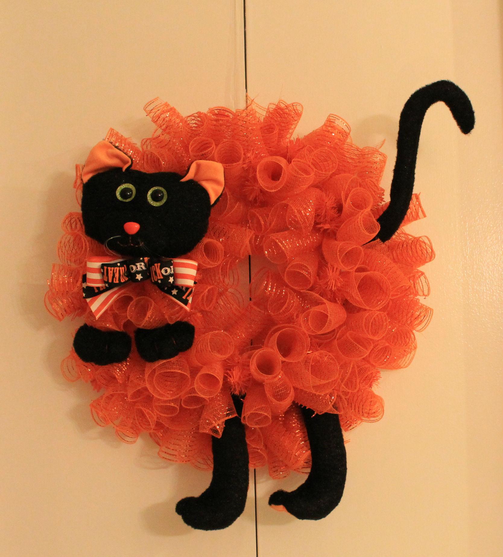 Diy Quot Quot Scary Cat Quot Mesh Halloween Wreath The Wreath Depot