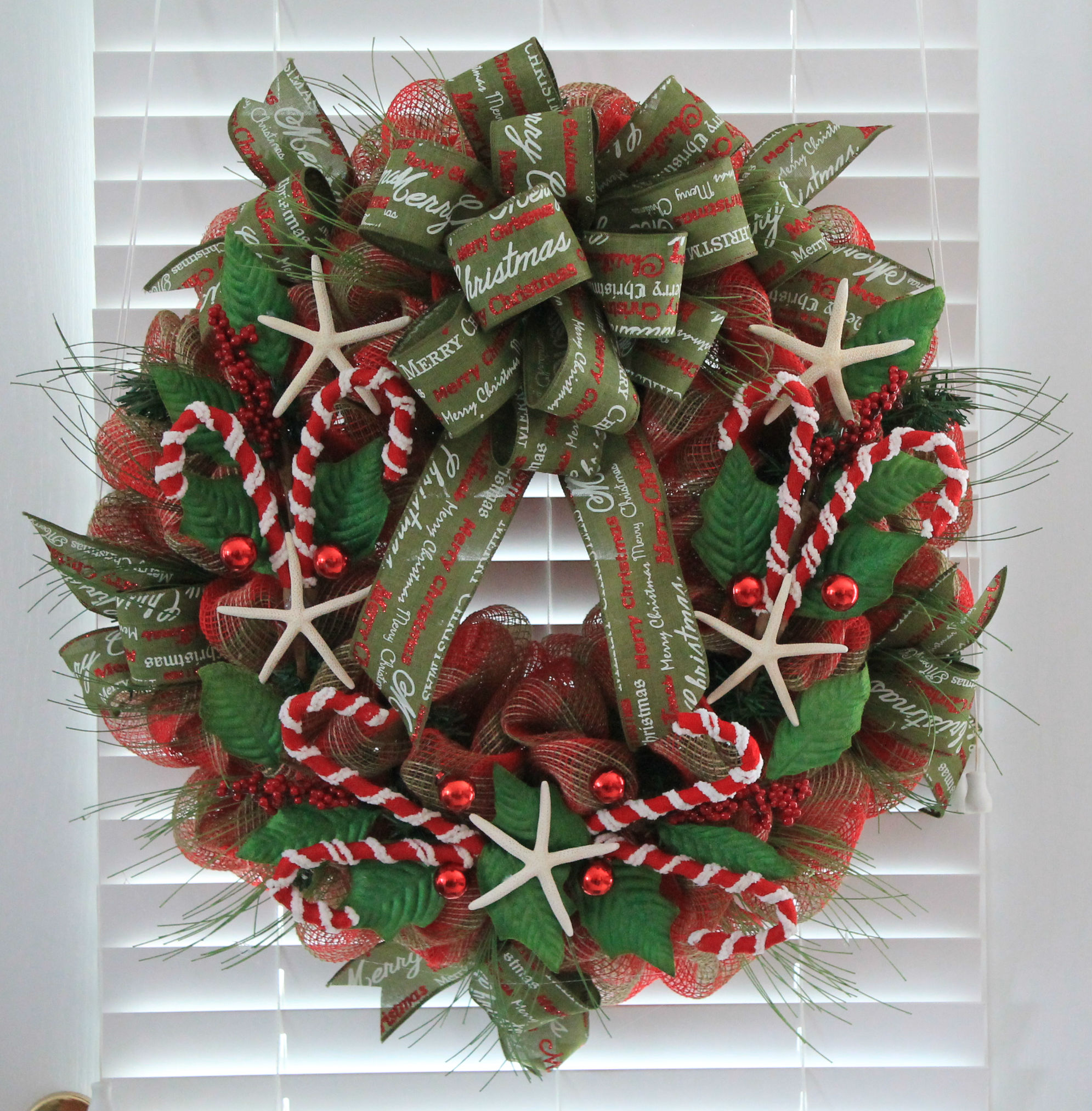 Diy Coastal Christmas Mesh Wreath The Wreath Depot