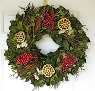 Bournemouth Decorative Christmas Wreath 22 in