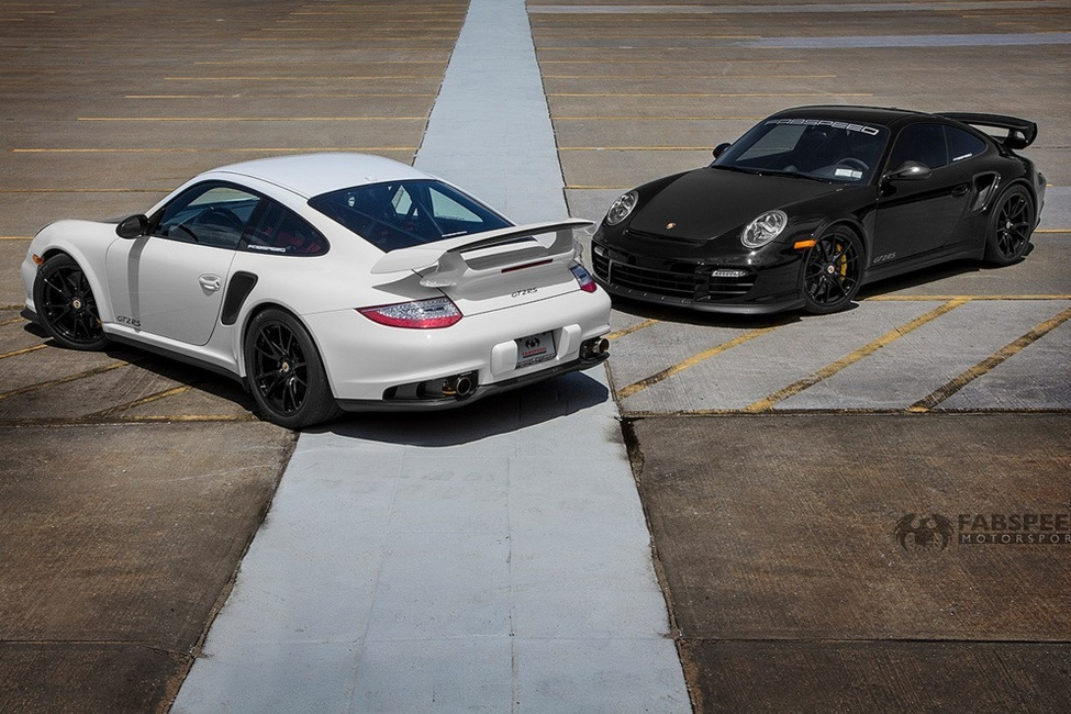 Porsche 997.2 GTRS White & Black in lot