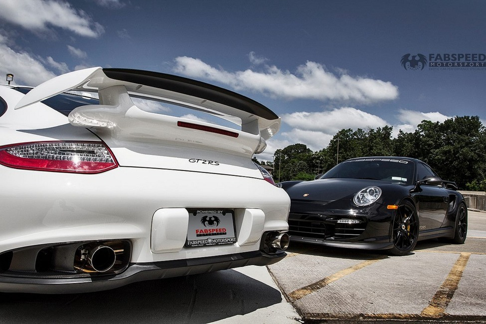 Porsche 997.2 GTRS White & Black close up