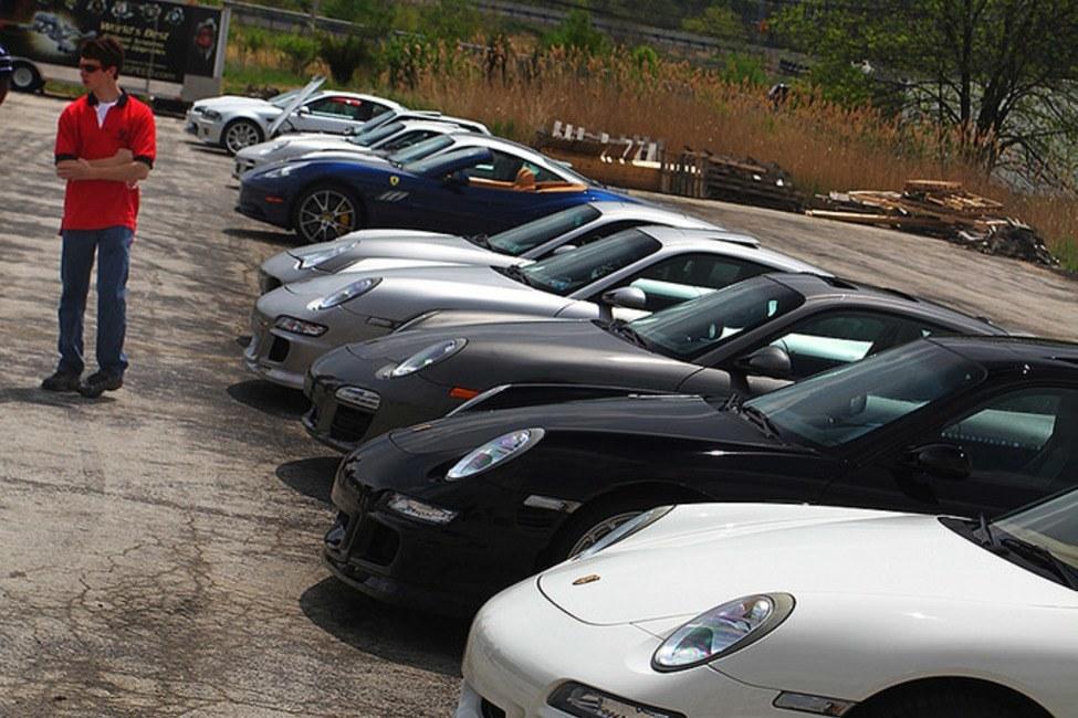 Line of Porsches 1