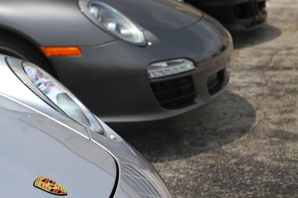 Line of Porsches 3