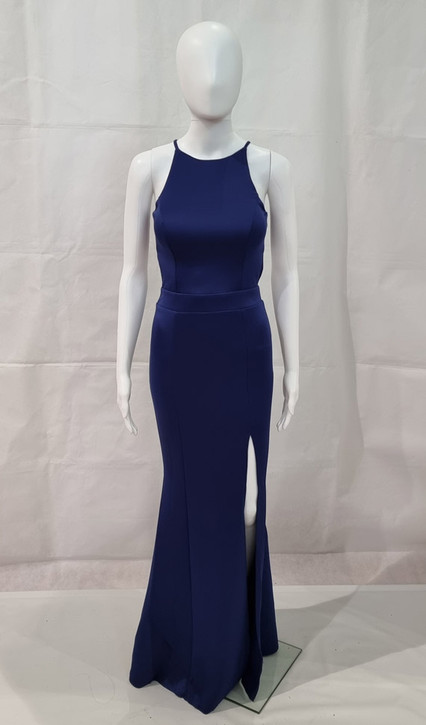 Fitted formal dress with split and semi-open back - Image 2