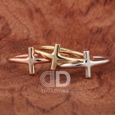 Cross ring in 14K solid gold