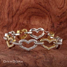 3.75ct Brilliant Diamond Heart Link Bracelet in 18K Solid Gold