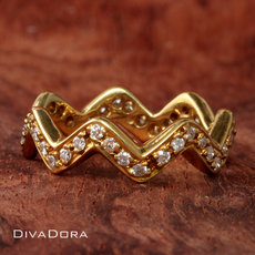 0.45ct Diamond Stackable Zig Zag Wave Ring in 18K Yellow Gold