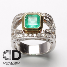 2.45ct Colombian Green Emerald Ring with 1.11ct diamonds in 14K Solid Gold