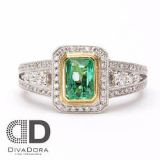 Colombian Emerald in 18K Solid Gold Bezel Set Ring