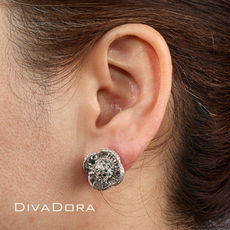 White & Blue Diamond Reflective Flower Earrings in 14K White Gold