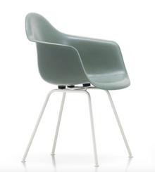 Vitra Eames Fiberglass Armchair DAX