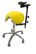 The Royal Saddle Plus is a chair designed to be used in both sitting and standing positions. The saddle shape of the seat allows for (almost) full leg extension . This makes it easier to sit higher without having pressure on the thighs. The small lumbar support prevents flattening of the lower back, allows for optimal freedom of movement and stretching of the spine.