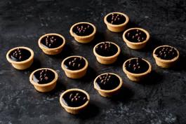 Cocktail chocolate tarts