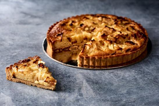 Baked apple tart