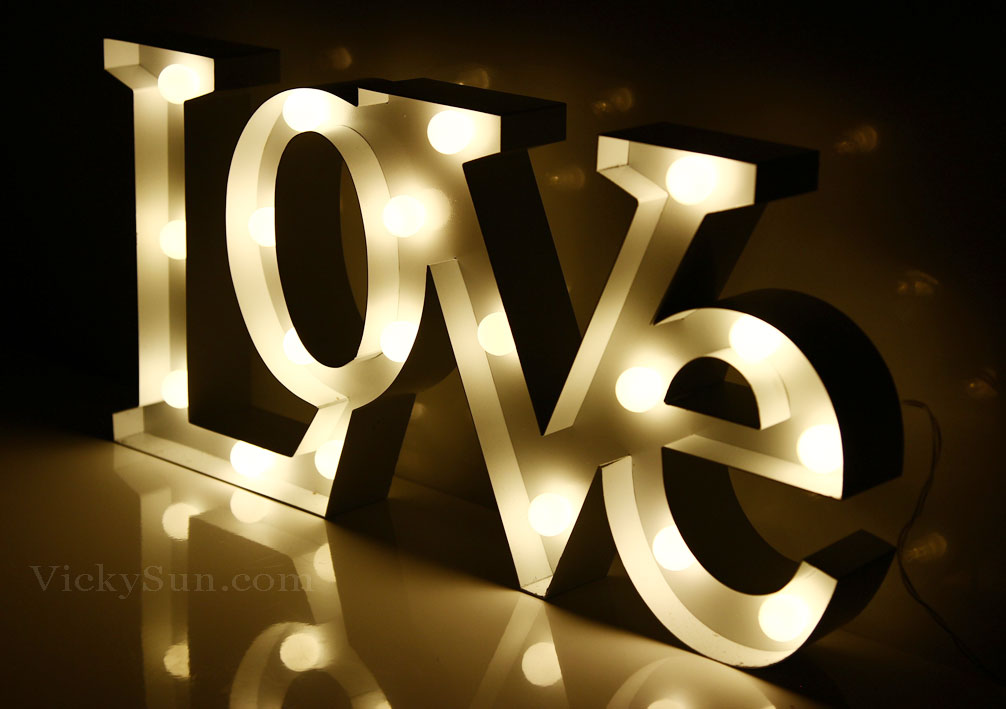led-warm-white-love-lights-zde-15220a.jpg
