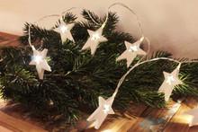 1.6M 12 LED Natural White Wooden Stars String Chain Lights