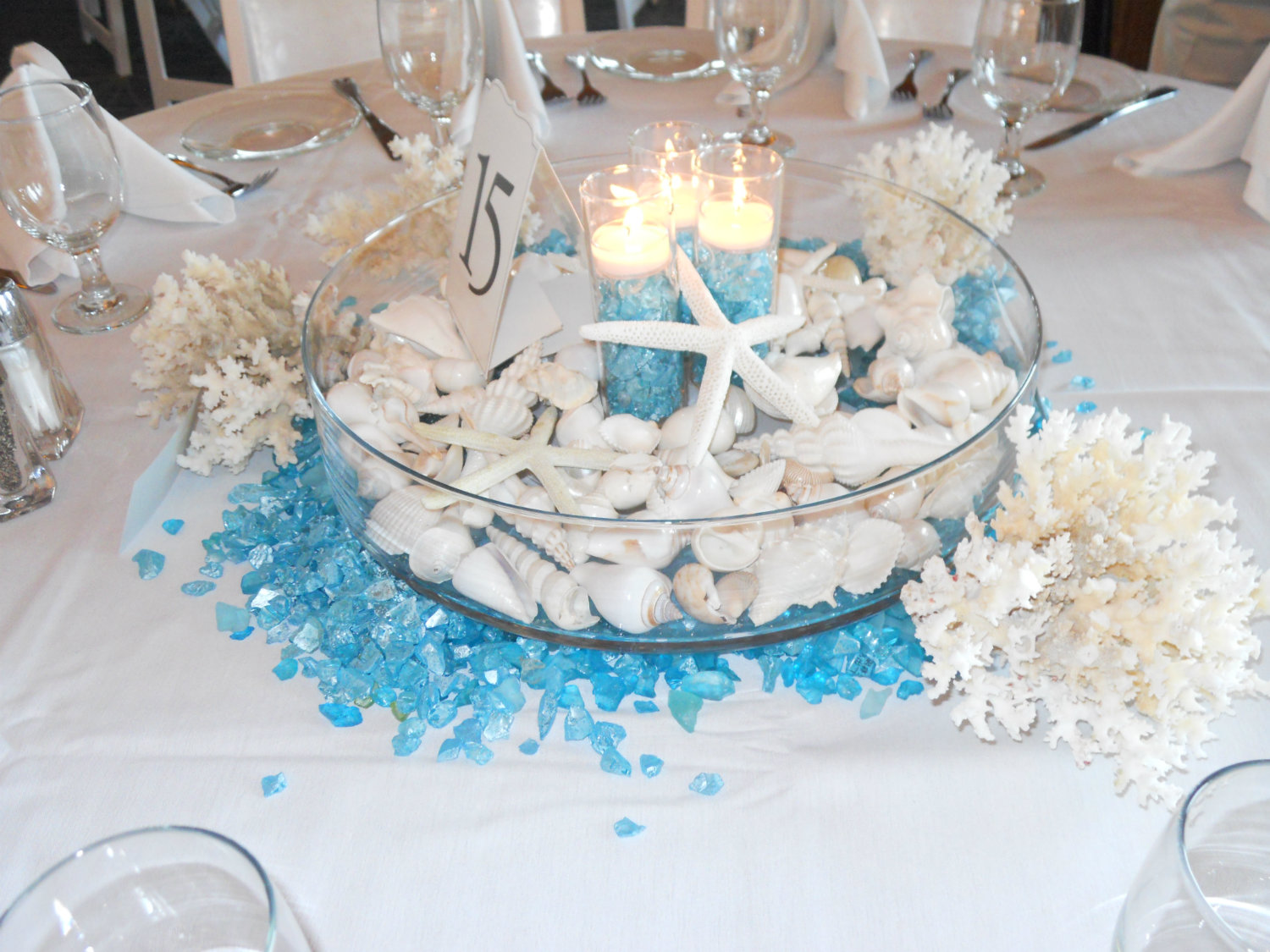 Liven your look and save money with do it yourself wedding liven your look and save money with do it yourself wedding centerpieces solutioingenieria Images
