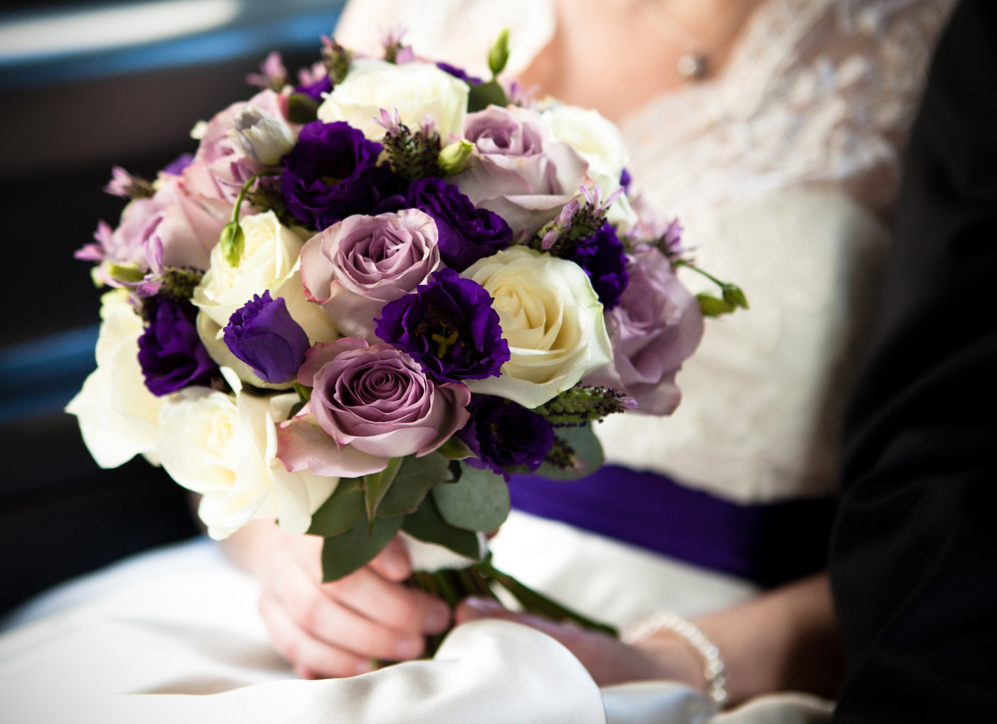 hand tied wedding bouquets how to choose a wedding bouquet mywedstyle 4690