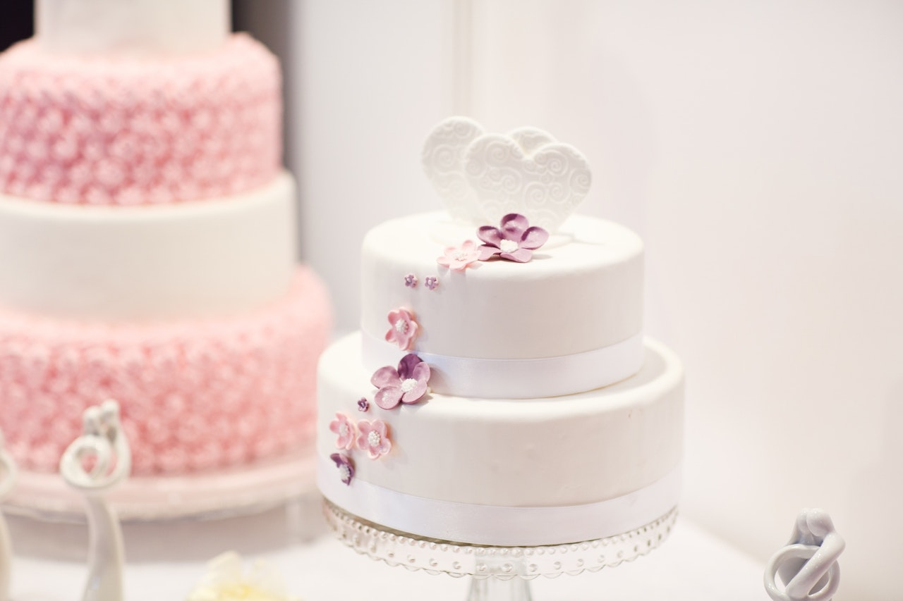 What Are The Most Popular Wedding Cake Flavors