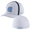 Nike Classic Carolina Aero Bill SwooshFLEX Hat - White