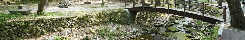 11-rock-and-bridge.jpg