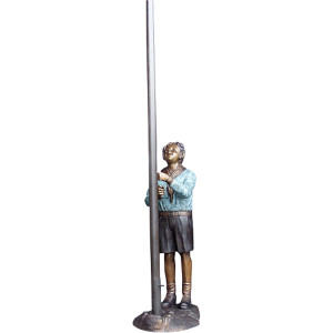 Boy Scout w/Flag Pole - Bronze