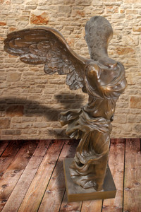 Nike Of Samothrace Statue 33 Inch Tall