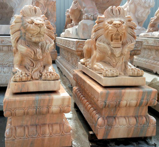 Pair of Lying Lions -Sunglow Marble