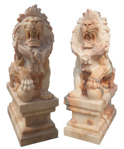 Pair of Sitting Lions -Sunglow Marble180
