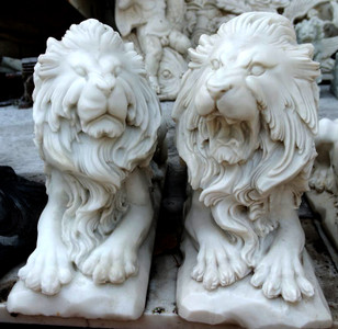 Pair of Sitting Lions -White Marble