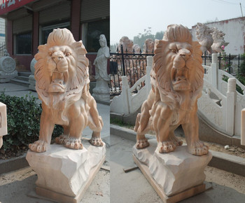 Pair of Sitting Lions - Beige Marble