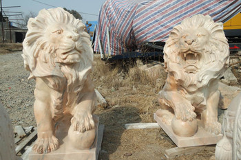 Pair of Marble Lions Sun Glow GE18209