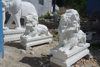 Pair of Marble Lions White GE18539