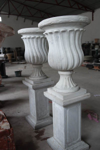 PR Urn on Pedestal White Marble
