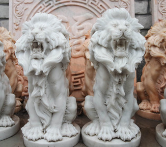 White Sitting Pair of Lions Marble Statue GE18637